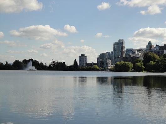 Dia ensolarado na bela Vancouver em fim de verão