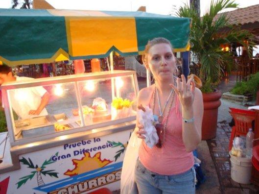 Churros mexicanos vendidos em praça de Cozumel
