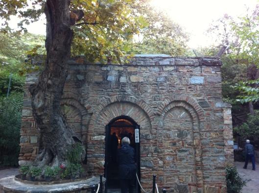 Casa onde viveu Maria hoje é uma capela (Foto: Priscila Dal Poggetto)