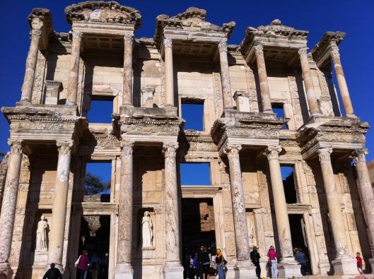 A fachada da Biblioteca de Celso (Foto: Priscila Dal Poggetto)