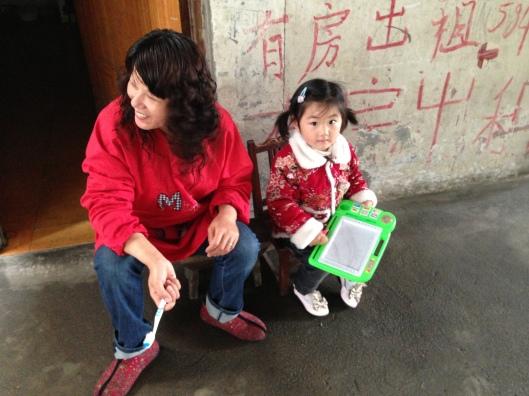 Simpáticos, os moradores de Wuhu são curiosos pela fisionomia ocidental (Foto: Priscila Dal Poggetto)