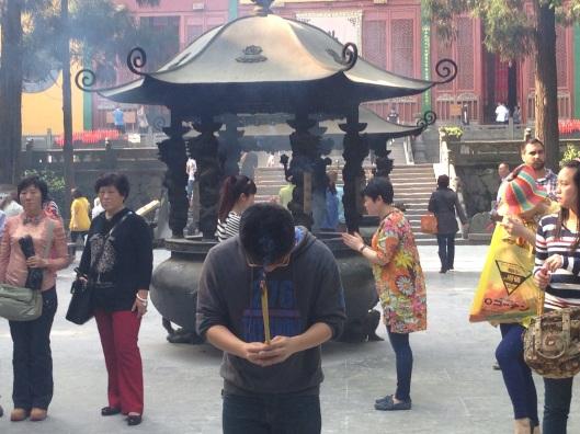 Templo Lingyin em Hangzhou (Foto: Priscila Dal Poggetto)