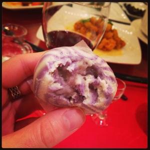 Pão doce chinês costuma ser recheado com pasta de feijão ou de lótus (Foto: Priscila Dal Poggetto)