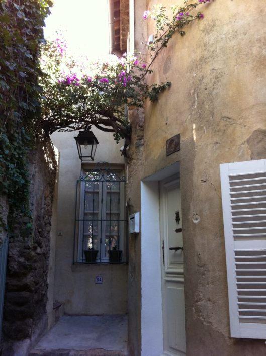 Saint-Tropez e suas janelas (Foto: Priscila Dal Poggetto)