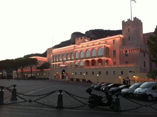Castelo em Mônaco (Foto: Priscila Dal Poggetto)