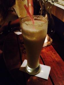 Limonada de coco é uma bebida típica da colômbia (Foto: Priscila Dal Poggetto)