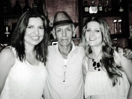 Giselli, Oscar e eu no 'Tabaco & Ron' (não, Oscar não sorri em fotos)